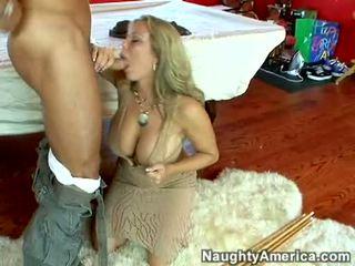 湿 热 色情明星 amber lynn bach hooks 一 powerful pole 在 她的 steamy 口