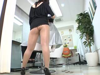 Reiko nakamori σέξι barber σε καλτσόν