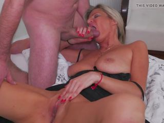 Hot Amateur Mom gets Cum all Over Her Body: Free HD Porn b2