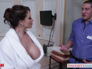 Rallig mutter eva notty gives tittenjob