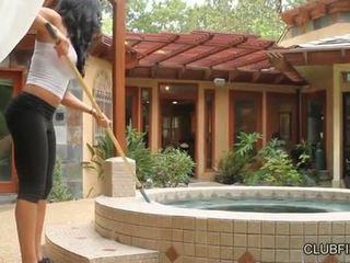 Aaliyah dragoste inpulit de lotus lain s strap pe