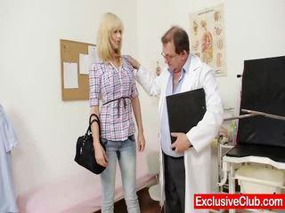 Blond paris besuch gynoclinic bis haben sie muschi gyno examined