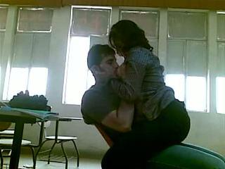 Iraqi 性別 在 學院 mustafa & yasmin - 部分 1