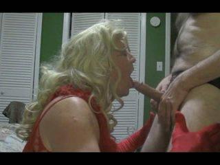 Blondi crossdresser blows iso kukko kova