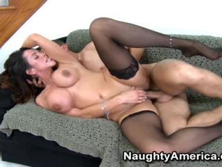 Daffy Pussy Ariella Ferrera Without A Stitch On Fucking Near Male