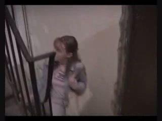 Najstnice punca prisiljeni da jebemti da plačati nazaj lost denar