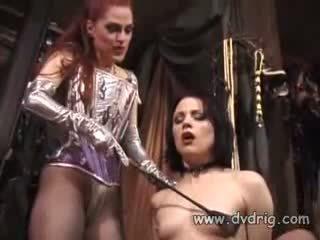 Lesbisk bitches boo dilicious charlie och lili anne formulär en kön chain sticking gummi dildos i varje andra cunt