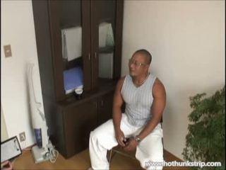 Muscular papa bär