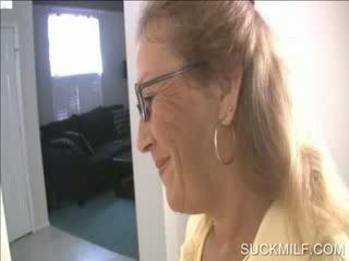 Мама и мацка смучене а dong