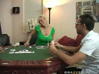 Shyla stylez υγρός μουνί πατήσαμε σκληρά επί πόκερ τραπέζι βίντεο