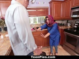 Teenpies - muslim chica praises ah-laong rabo