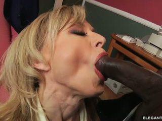 Rassidevaheline anaal koos milf nina hartley