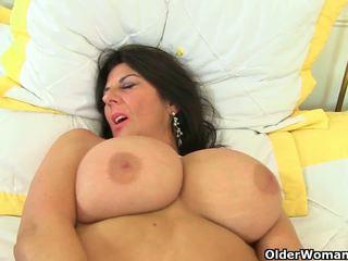 Uk milfs lulu lush y silky thighs necesitar orgasmic.