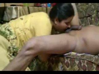 实 印度人 一对 他妈的 intensely 在 家 同 射精