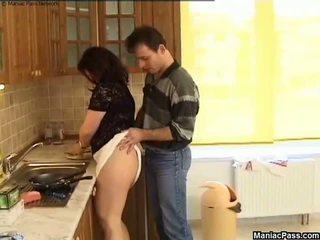 Kövér punci konyha padló fasz, ingyenes nagymellű porn 81