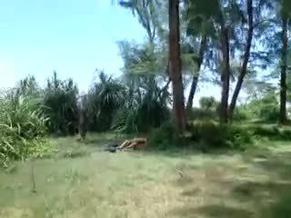 empregada, ao ar livre, indonesian