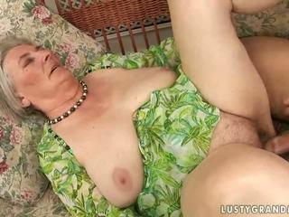 Sangat lama berpayu dara besar nenek enjoying panas seks