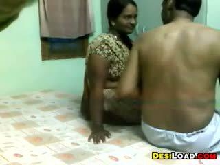Indisch aunty en an oud guy