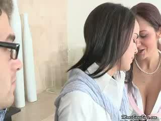 Mamuśka eats jej daughters cipka
