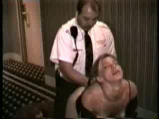 Žena zajebal s hotel varnost guard video