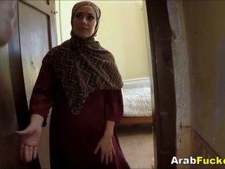 Dårlig arab jente desperate til kontanter sucks og fucks