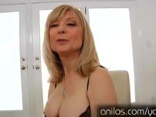 Kívánós érett nagyi nina hartley maszturálás