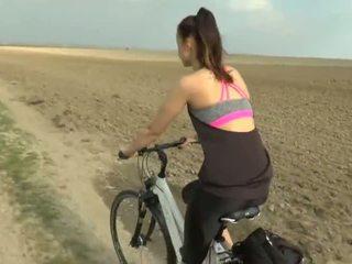Cute girlfriend experience bike cheating - Porn Video 831