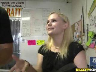 Free Girl Fucks For Cash Videos
