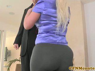 Rapariga vestida gajo nu miúda julie dinheiro pov à canzana