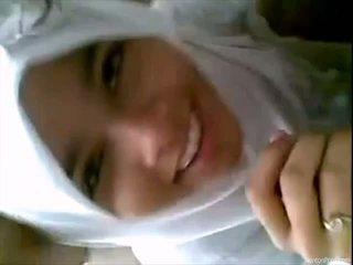 สวย อินโดนีเชีย หญิง gives ใช้ปากกับอวัยวะเพศ