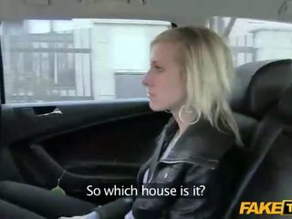 She could not pay the taxi with money