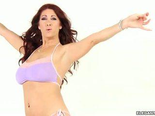 Tiffany mynx s 惊人 屁股 driven desperately 角质