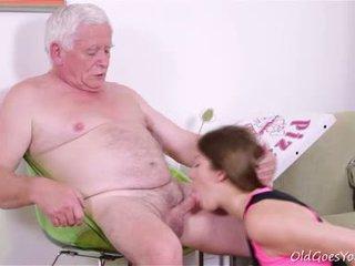 Rita adalah getting bersedia kepada memberi sehingga beliau virginity tetapi dia needs two guys untuk yang kerja!