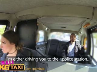 Femalefaketaxi เซ็กซี่ driver gets บาง นักเรียน ควย