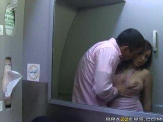 Vroče dekleta having seks v a airplane xxx