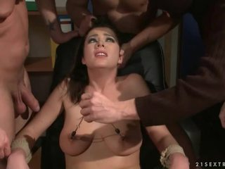 Tri guys punishing a jebanie a otrok dievča