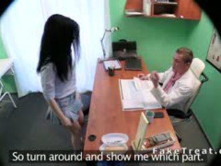 Tšekki petient perseestä sisään fake sairaalan