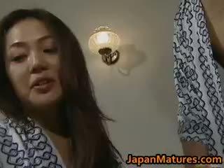 Potrebni japonsko zreli bejbe sesanje part3