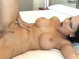 Barmfager brunette abbie cat swallowing sperm