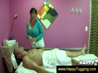 Silanganin masahe masseuse handjobs wanking bumaltak pagtatalik na pangkamay tugging tug job cfnm malaki mangmang bigtits bigboobs