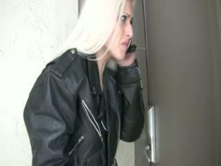 Wetting onu siyah transeksüel tabanca pants