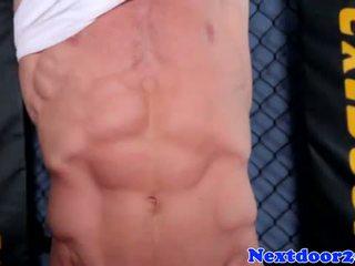 Atletico homo hunk wanking suo cazzo