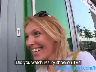Publicagent ea gets spit-roasted outdoors pentru obține realitate televizor muncă