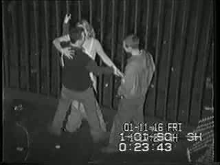 Echt sicherheit kamera tape von betrunken mädchen gefickt video
