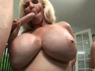 Breasty hawt momma daphne rosen receives így forró tovább egy fasz együtt -val egy barát