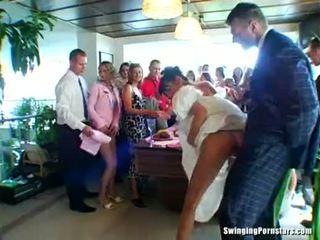 Vestuvės whores are dulkinimasis į viešumas