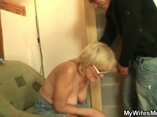 He shafts porno loving mother in law