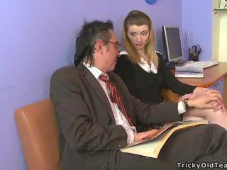 Künti old tutor giving lessons