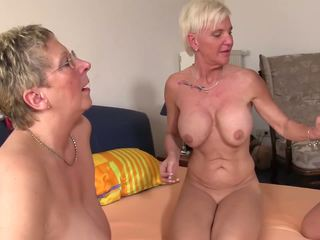 Xxx omas - เซ็กส์ 4 คน เพศสัมพันธ์ สำหรับ ดื้อ เยอรมัน บลอนด์.