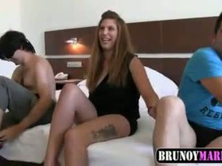 espanhol, ménage à trois, 18 anos de idade